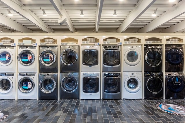 Whirlpool vs. Electrolux Front Load Laundry (Reviews / Ratings / Prices)