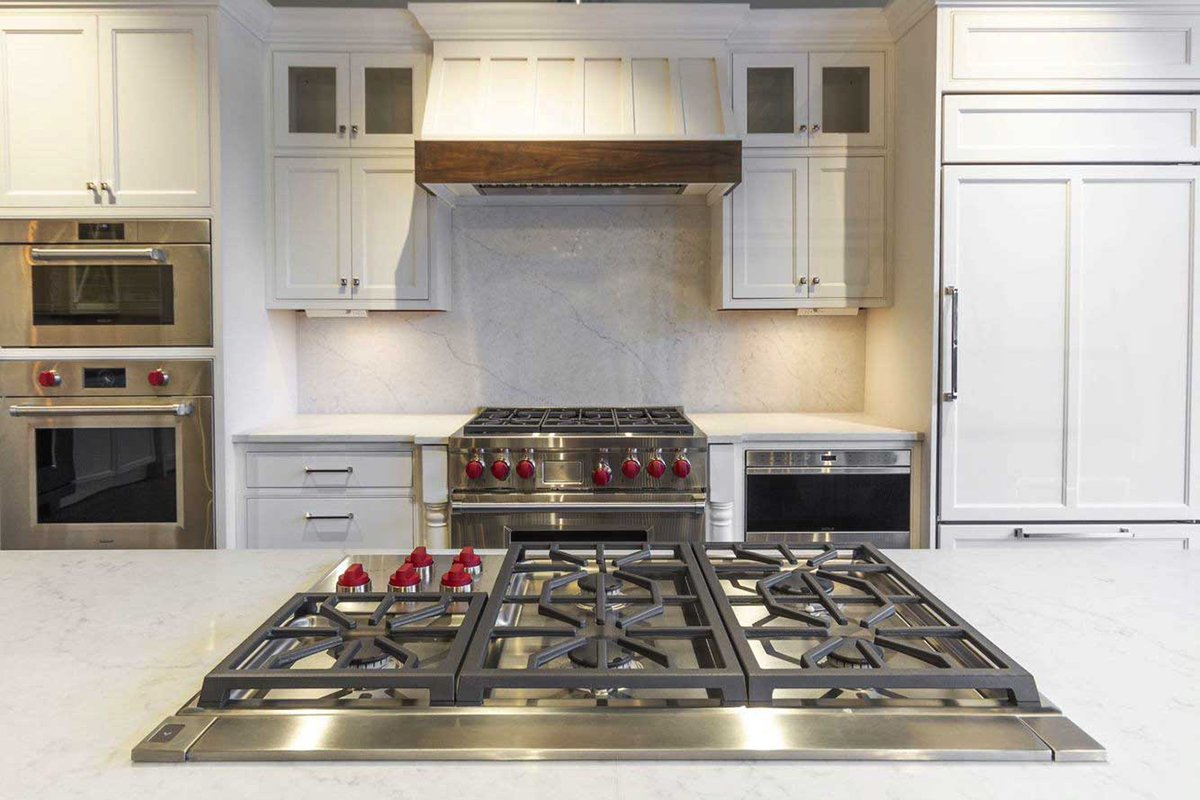 Wolf Vs. Miele Steam Ovens: Which Is Better? (Ratings / Reviews / Prices)