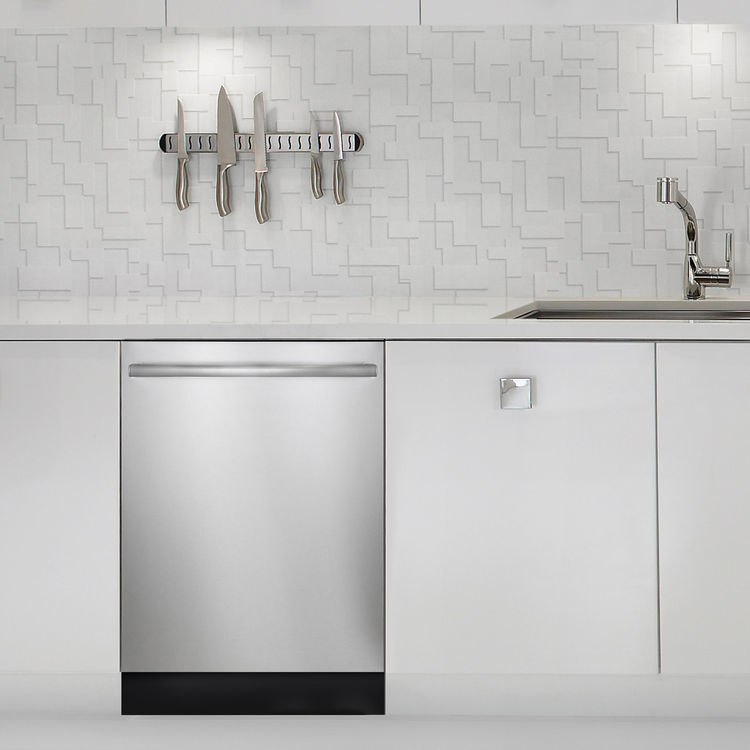 Kitchen Appliance Mistakes You Should Never Make - Buying kitchen appliances