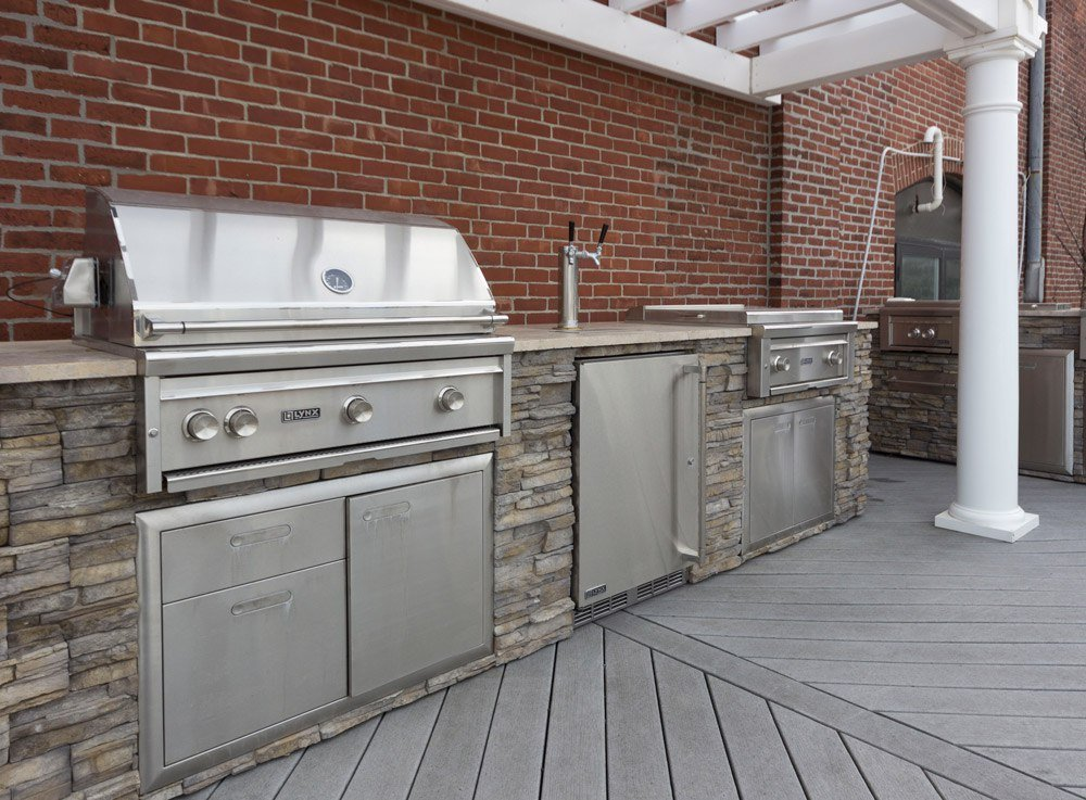 Lynx Vs. DCS Professional BBQ Grills (Reviews/Ratings/Prices)